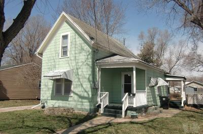 Wapello County Single Family Home For Sale: 407 Burrhus