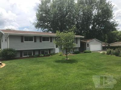 Fairfield IA Single Family Home For Sale: $189,900