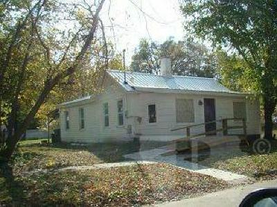 Jefferson County Single Family Home For Sale: 604 W Van Buren