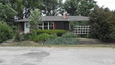 Cincinnati IA Single Family Home For Sale: $125,900