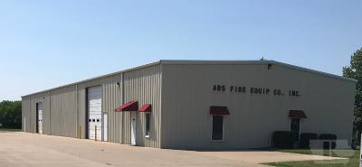 Wapello County Commercial For Sale: 2943 Oak Meadow