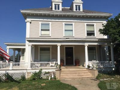 Wapello County Single Family Home For Sale: 423 N. Court