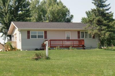 Wapello County Single Family Home For Sale: 16656 Bluegrass Road