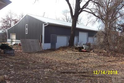 Centerville IA Single Family Home For Sale: $74,900