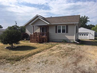 Wapello County Single Family Home For Sale: 105 Hill
