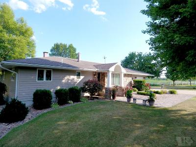 Centerville IA Single Family Home For Sale: $305,000