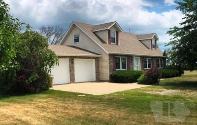 Blakesburg Single Family Home For Sale: 23002 Bluegrass Road