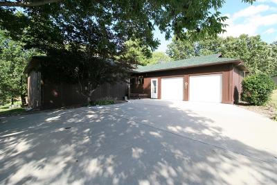 Centerville IA Single Family Home For Sale: $159,900