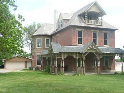 Mount Pleasant Single Family Home For Sale: 1301 E Monroe