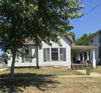 Monroe County Single Family Home For Sale: 209 2nd Avenue W