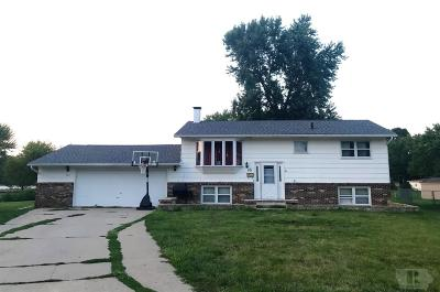 Wapello County Single Family Home For Sale: 501 Lynwood Circle