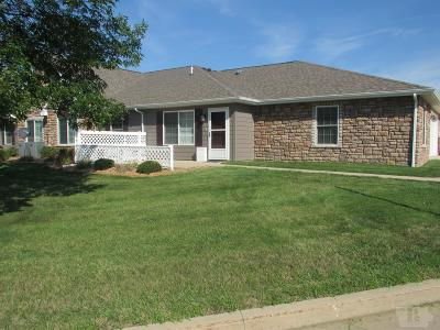 Mount Pleasant Single Family Home For Sale: 1708 E Deer Run