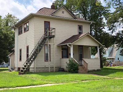 Ottumwa Multi Family Home For Sale: 702 Wabash