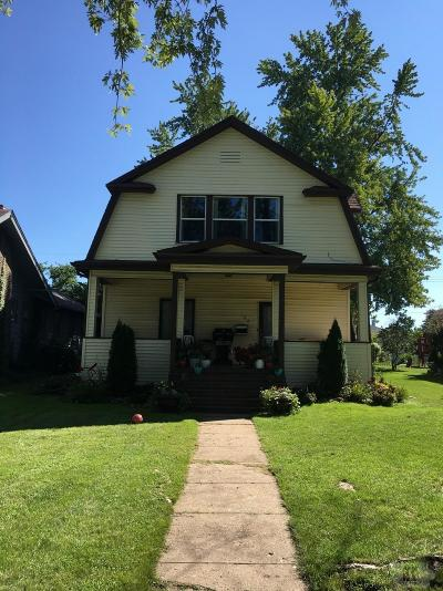 Wapello County Single Family Home For Sale: 122 E Alta Vista