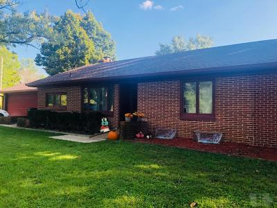 Wapello County Single Family Home For Sale: 1 Woodshire