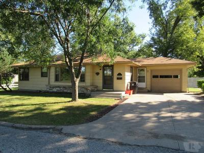 Wapello County Single Family Home For Sale: 6 Country Club