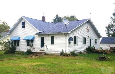 Wapello County Single Family Home For Sale: 10012 Highland Center