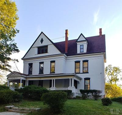 Wapello County Single Family Home For Sale: 232 E Fifth Street