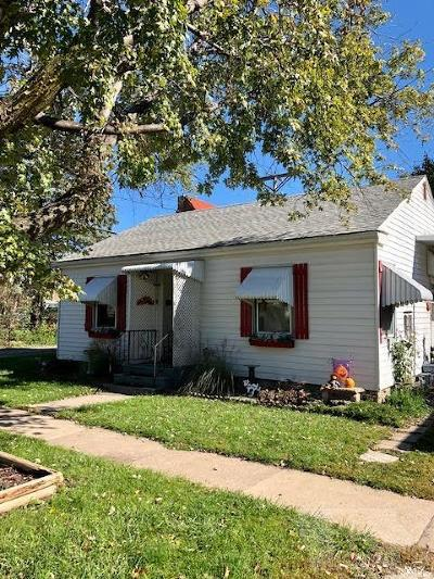 Single Family Home For Sale: 205 S 2nd