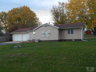 Wapello County Single Family Home For Sale: 15472 Rock Bluff Road