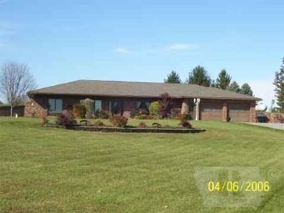 Fairfield IA Single Family Home For Sale: $225,000
