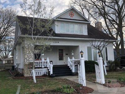 Single Family Home For Sale: 1204 Chester Avenue