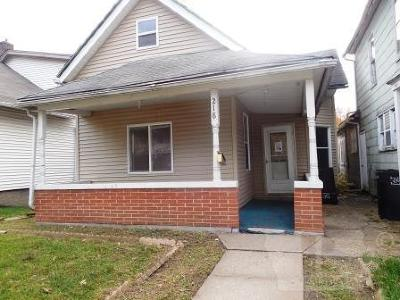 Wapello County Single Family Home For Sale: 218 N Benton Street