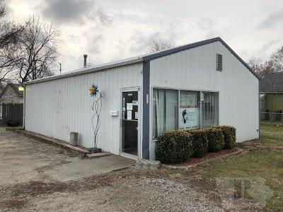 Wapello County Commercial For Sale: 508 N Ferry Street