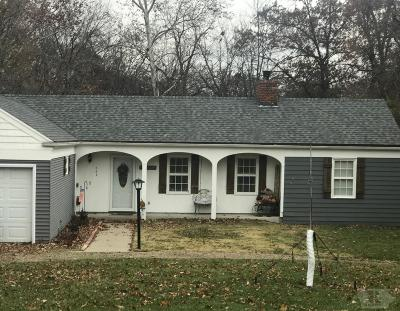 Wapello County Single Family Home For Sale: 205 Pike
