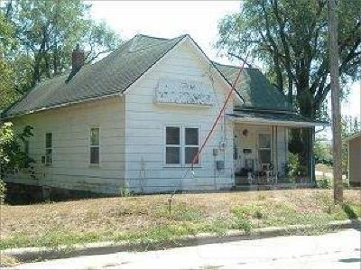 Centerville IA Single Family Home For Sale: $9,500