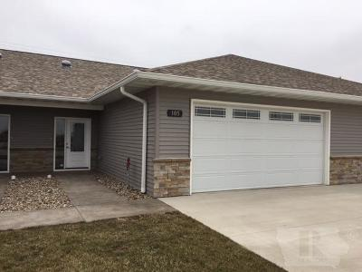 Fairfield IA Condo/Townhouse For Sale: $155,000