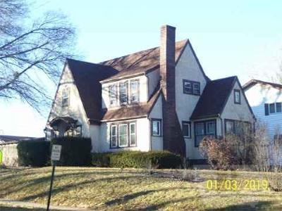 Fairfield Single Family Home For Sale: 807 E Broadway