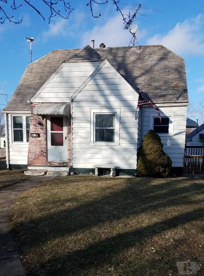 Wapello County Single Family Home For Sale: 817 Glenwood