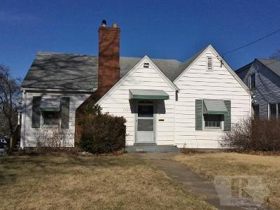 Ottumwa Single Family Home For Sale: 1205 Plum Street