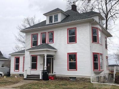 Ottumwa Single Family Home For Sale: 304 E Fifth