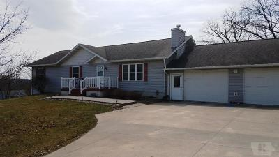 Ottumwa IA Single Family Home For Sale: $212,000