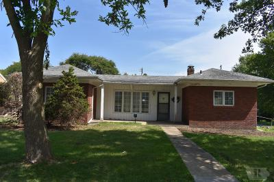 Centerville IA Single Family Home For Sale: $97,000