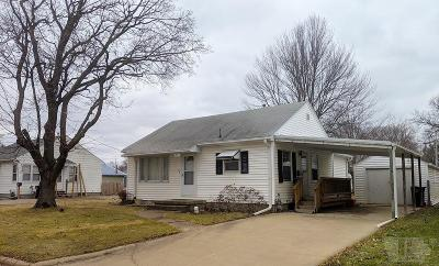 Ottumwa Single Family Home For Sale: 725 Pocahontas Lane