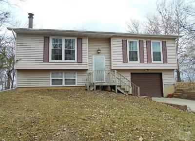 Ottumwa IA Single Family Home For Sale: $105,000