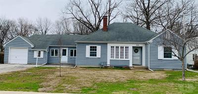 Fairfield IA Single Family Home Pending: $154,900