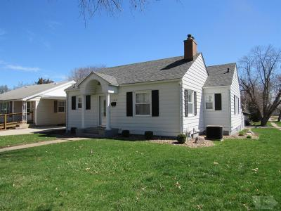 Wapello County Single Family Home For Sale: 102 N Iowa