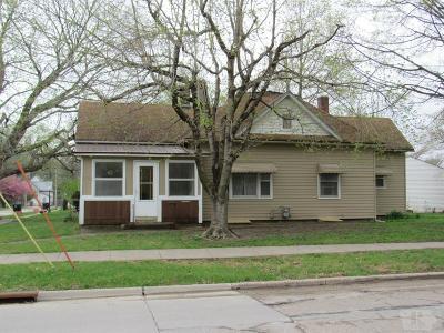 Ottumwa Single Family Home For Sale: 238 S Milner