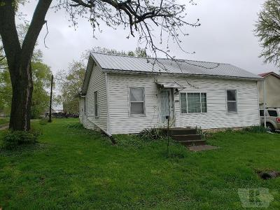 Van Buren County Single Family Home For Sale: 206 Main Street