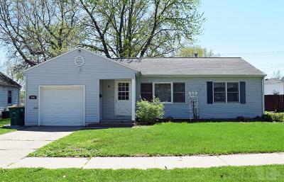 Fairfield Single Family Home For Sale: 306 Iowa Ave