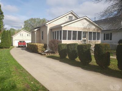 Wapello County Single Family Home For Sale: 422 S Schuyler Street