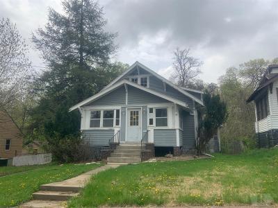Ottumwa Single Family Home For Sale: 124 E Highland