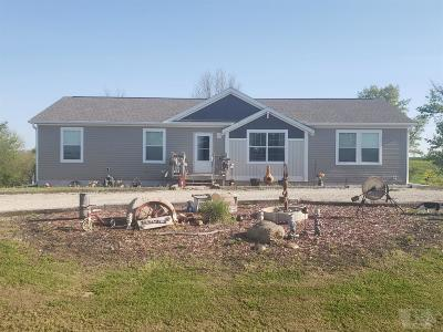 Ottumwa Single Family Home For Sale: 19184 Bluegrass Road