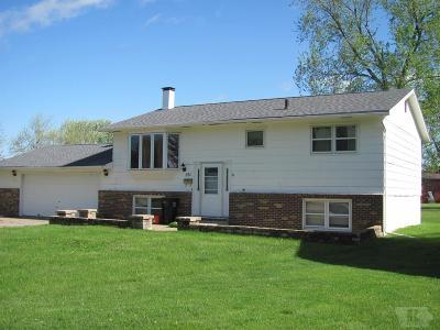 Wapello County Single Family Home For Sale: 501 Lynwood Circle