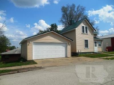 Wapello County Single Family Home For Sale: 106 S Vine Street