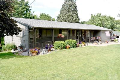 Centerville IA Single Family Home For Sale: $162,000